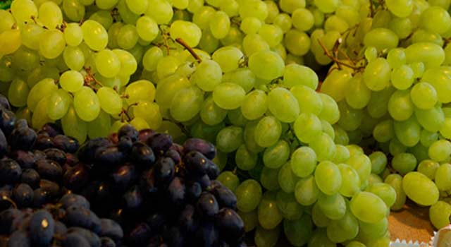 8 Health Benefits of Grapes and Grapes Juice - HowFlux