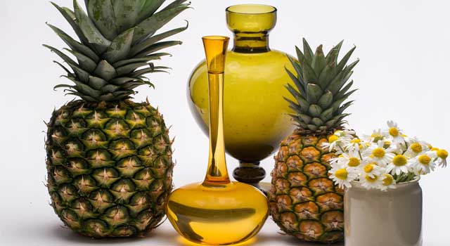8 Health and Beauty Benefits of Pineapple and Juice