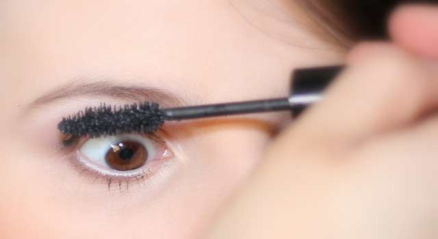 How To Shape Eyebrows and Shaping Tips