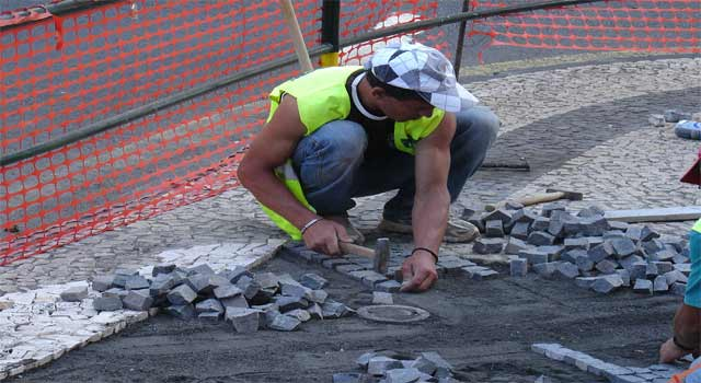 How to Install Pavers Around your House