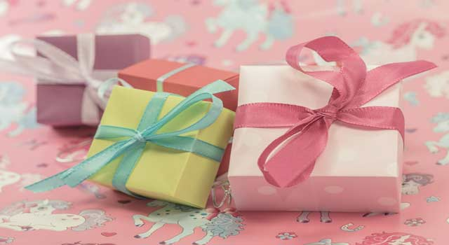 10 Very Special Birthday Gift for Girlfriend