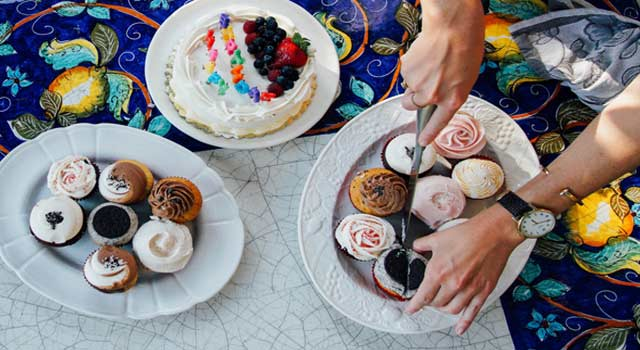 7 Ways To Celebrate Your Birthday With Family and Friends