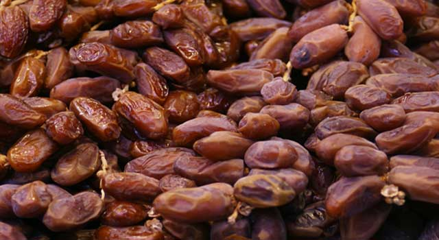 6 Main Health Benefits of Eating Dates - HowFlux
