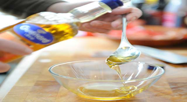 6 Surprising Benefits of Walnut Oil for your Health