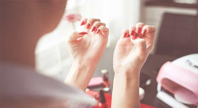 How to do a Beautiful French Manicure at Home