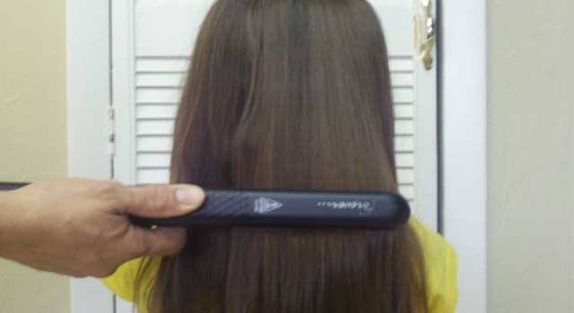 6 Tips on How to Straighten Hair at Home Step by Step