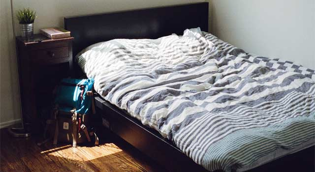How to Organize your Bedroom Better (5 Steps)