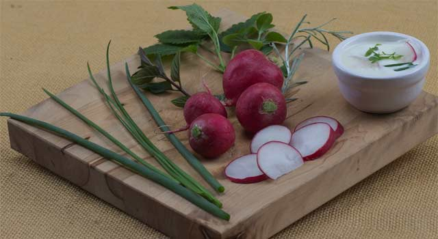 6 Best Health Benefits of Organic Radishes - HowFlux
