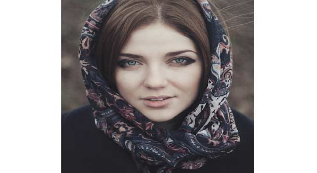 5 Different Ways of Tying a Scarf on your Head