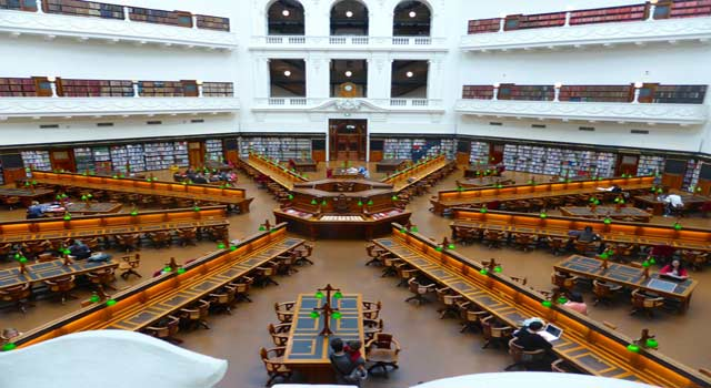 5 Steps For Becoming a Librarian