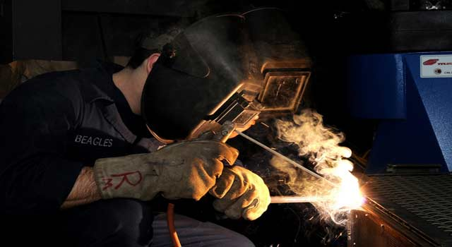 How to Become a Qualified Welder (5 Steps) - HowFlux