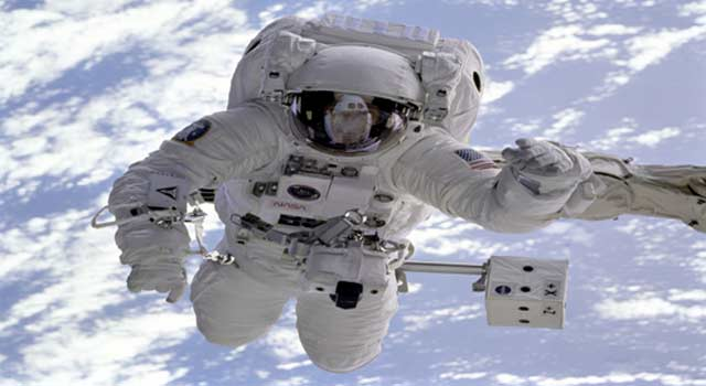 6 Tips on How to Become an Astronaut