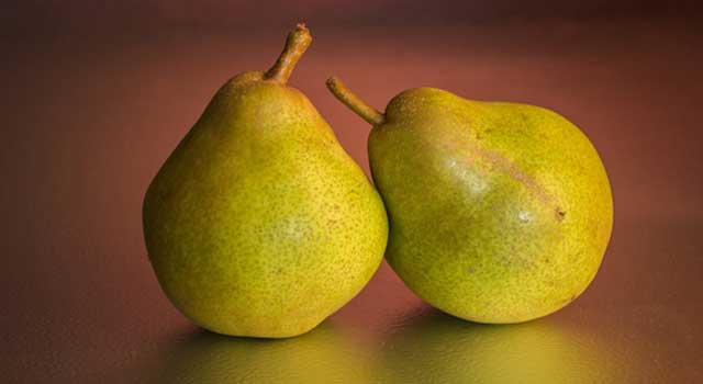 6 Surprising Benefits of Eating Pears
