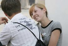how to start talking with an unknown girl