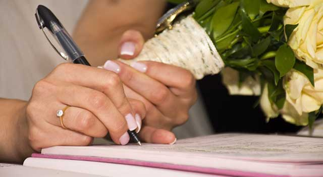 How to Obtain Marriage Certificate in India