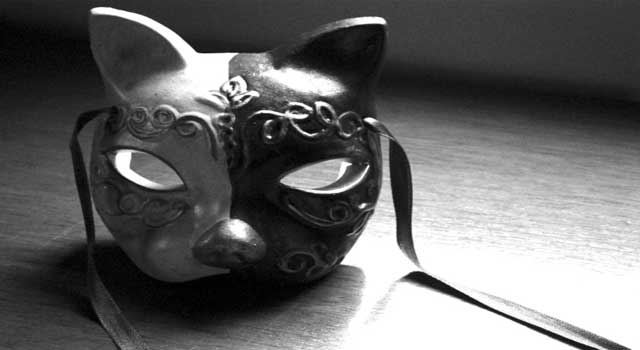 How to Make your own Venetian Mask