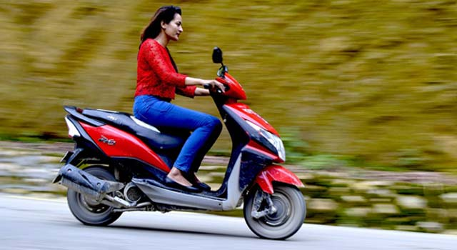 How to Ride a Scooty First Time