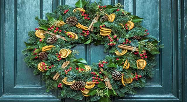 How to Make Your Own Christmas Wreath Ideas
